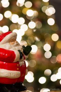 Santa photo shot at wide aperture