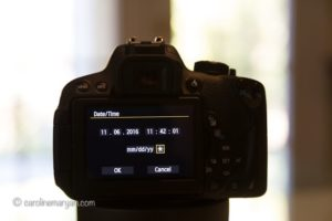The back of a Canon t5i camera with daylight savings time turned on.