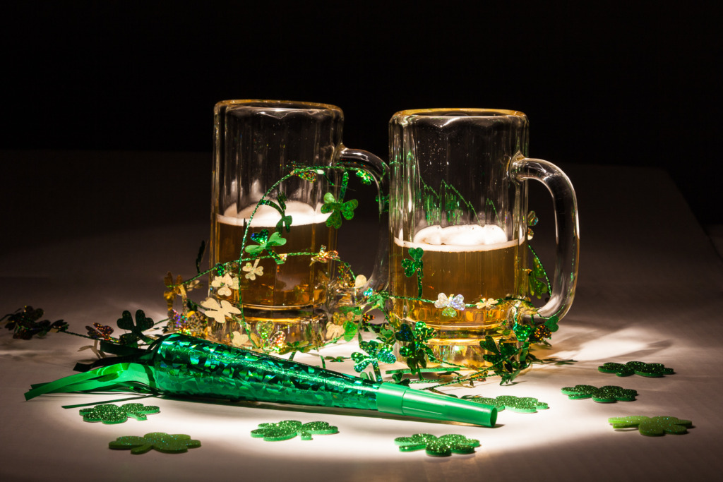 painting with light makes these beer mugs and decorations pop