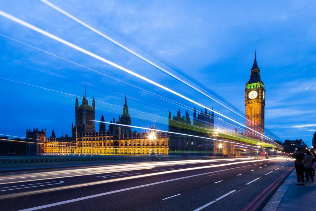 night photo of Big Ben to demonstrate taken to demonstrate how to shoot better night photography