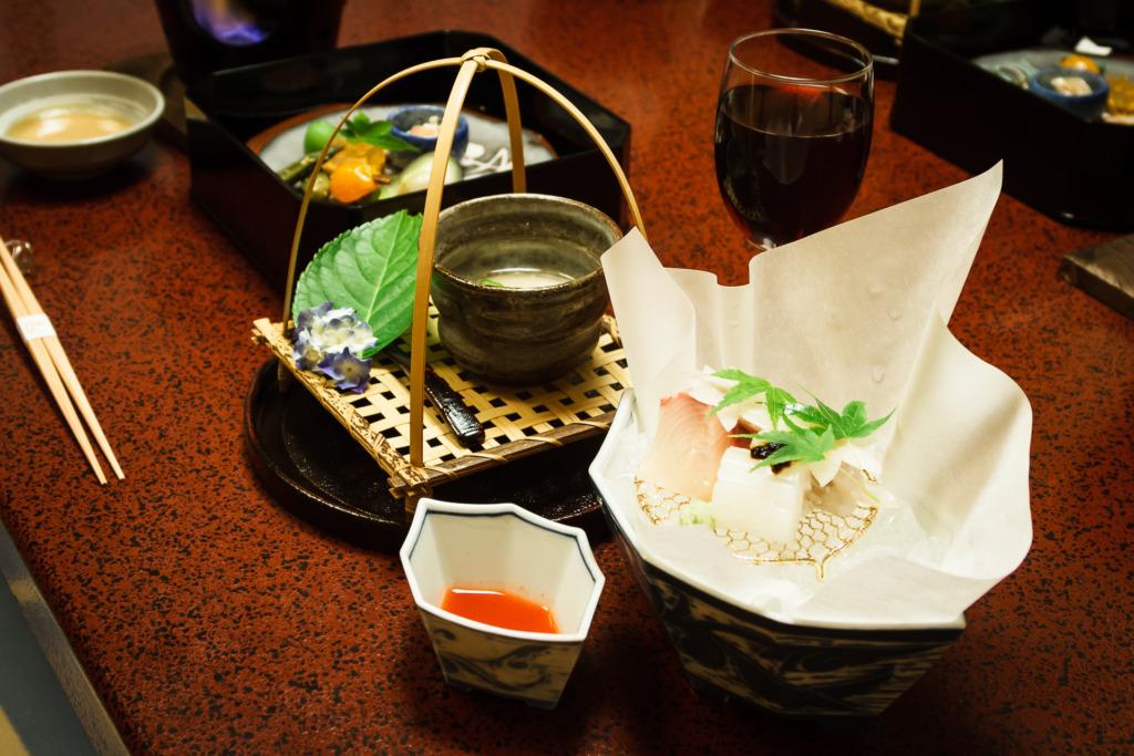To shoot better food photos add details like chopsticks